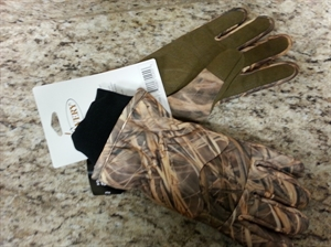 Picture of Hunter Waterproof Insulated Gloves by Avery Outdoors Greenhead Gear